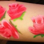 schminken bodypaint roosjes