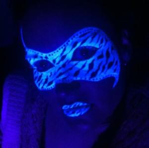 Neon Ge Masker d Ball